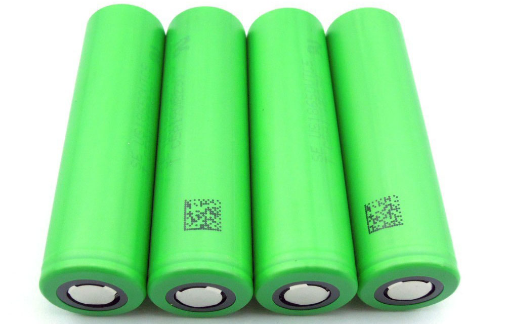 4 Sony VTC 5 batteries